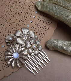 Vintage hair comb gilt metal rhinestone floral by ElrondsEmporium, $18.00