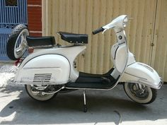 Vespa Scooter - 2 seater