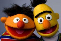 Epi y Blas / Ernie and Bert (Bert & Ernie). Sesame Street Muppets, Sesame Street Characters, Frank Oz, Retro, Bert & Ernie, Fraggle Rock, The Muppet Show, Miss Piggy, Public Enemies