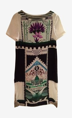 I am not sure what it is, but I kind of love this dress.