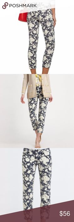 Tory Burch Alexa Printed Floral Skinny Jeans 30 Tory Burch cropped skinny jeans in a floral pattern that feels timeless, yet on-trend. Subtle fading gives this pair a broken-in feel. 5-pocket styling. Button closure and zip fly.  Fabric: Stretch denim. 98% cotton/2% spandex.  MEASUREMENTS Rise: 8in / 20cm Inseam: 26in / 66cm Leg opening: 11in / 28cm  Excellent condition. Perfect for fall. Size 30. All offers considered! Tory Burch Jeans Ankle & Cropped