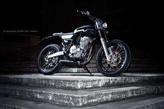 Honda Dominator Street Tracker by MauroMotori - Photo by Alessandro Syelluti Cesi #motorcycles #streettracker #motos | caferacerpasion.com