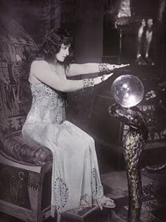 Silent movie actress Pauline Frederick, 1913