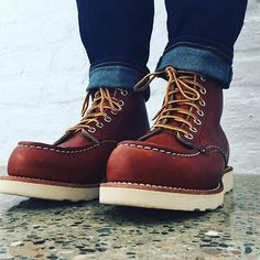 Photo from rheajoconnor Red Wing Heritage Boots, Red Wing Boots, White Boots, Mens Lace Up Boots, Denim Boots, Leather Boots, Black Chukka Boots, Timberland Boots, Mens Boots Fashion
