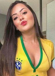 Hot Football Fans, Football Girls, Soccer Fans, Soccer Girls, Latino Girls, Hot Fan, Beautiful Latina, Sporty Girls, Sports Women