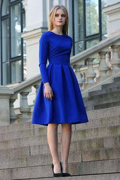 Robe bleue robe longueur genou robe classique robe évasée