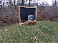 Archery backstop I made from 4x4s and a 4x6 stall mat i bought at tractor supply for $40. Crossbow Hunting, Archery Hunting, Crossbow Targets, Archery Targets, Archery Target Stand, Outdoor Shooting Range, Shooting Targets, Shooting Sports, Bow Rack