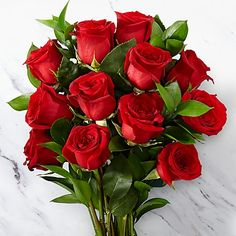 Buy Valentine's Flowers Bouquet Online to USA for your Love and order home delivery at her/him doorstep. Send valentines day flowers to make love Day. Beautiful Flowers Wallpapers, Beautiful Rose Flowers, Romantic Roses, Beautiful Body, Dozen Red Roses, Red Rose Bouquet, Red Rose Flower, Bloom, Burgundy Flowers