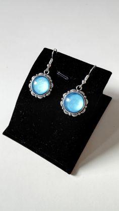 Boucles d'oreilles royales celtiques Claire Sassenach cabochons bleus argenté Outlander Reign Ecosse