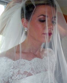 Peach and brown bridal makeup by Philadelphia area makeup artist Jill Suzanne