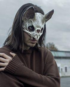 Vampire Skull Mask   Etsy Vampire Skull, Vampire Mask, Character Inspiration, Character Art, Sculptures Céramiques, Skull Mask, Bat Mask, Cool Masks, Arte Horror