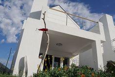 Ferienhaus in Veldriff - ideal zum Ausspannen bei langen Strandspaziergängen. www.quaywestcoast.com Quay West, Loft, Outdoor Decor, Cape, Home Decor, Cottage House, Mantle, Cabo, Decoration Home