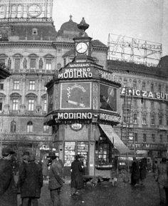 Nyugati (Berlini tér) Banán sziget 1936 Budapest, Old Money, Hungary, Big Ben, Berlin, Arch, The Past, Building, Travel