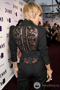 Kerry Hilson you have me weak. VH1 Divas 2012