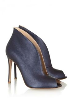 I just got a Nine West pair that is practically identical and saved Gianvito Rossi's $790 price tag.