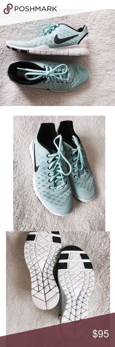 Nike Free RN Sneakers ✨ Women's Nike Free RN Sneakers - Worn twice - Beautiful sneakers - Subtle blue stain on back of shoes ⚜ Size 7 Nike Shoes Sneakers