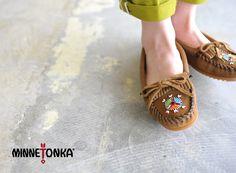 【楽天市場】minnetonka ミネトンカ 2015SS Limited Edition/Me to We Maasai Moc スエードモカシン(全2色)【2015春夏】:Crouka(クローカ)
