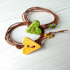 Valentine's Day Vegan Heart Button Wrap £15.00 Beads Pictures, Heart Button, Lampwork Beads, Sally, Home Crafts, Seed Beads, Artisan, Wraps, Dots
