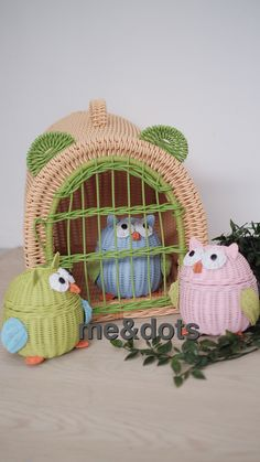 rattan owl , rattan cage Sand Crafts, Newspaper Crafts, Rattan Basket, Baskets On Wall, Paper Quilling, Diy Projects To Try, Basket Weaving, Recycling, Arts And Crafts