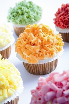 Colourful chocolate curls, a great way to decorate cupcakes - Chocolate Trading Co