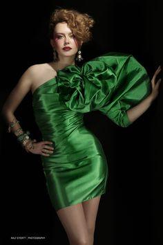 Little Green Dress by Ralf Eyertt on 500px