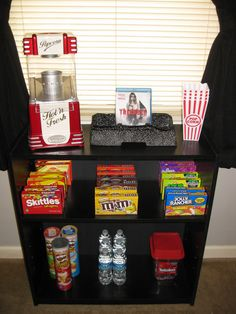 I just like this snack bar set up for a movie date. Plus displaying the movie th… I just like this snack bar set up for a movie date. Plus displaying the movie th…,Sleepover. Movie Night Party, Family Movie Night, Movie Night With Kids, Night Kids, Movie Night Snacks, Family Movies, Game Night, Night Food, At Home Movie Theater