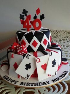 Cake topper, playing cards, die & chips hand made from gumpaste, Casino themed birthday cake Casino Night Party, Casino Theme Parties, Party Themes, Casino Party Decorations, Vegas Party, Party Ideas, Fète Casino, Casino Cakes, Casino Bonus