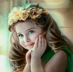 New Beautiful Children Photography Flower Crowns Ideas Very Cute Baby Images, Baby Images Hd, Cute Baby Girl Pictures, Beautiful Baby Girl, Beautiful Children, Cute Little Baby, Cute Babies, Small Baby, Crown For Kids