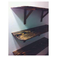 Prateleiras Shou Sugi Ban e mãos francesas de madeira. Mais um pedido entregue e instalado. :) #shousugiban #woodworking #marcenaria #wood Shelves, Instagram Posts, Design, Home Decor, Woodworking, Wood, Burnt Wood, Furniture, Shelving