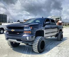 I absolutely enjoy this color scheme for this car Old Ford Trucks, Chevy Pickup Trucks, Lifted Cars, Lifted Chevy Trucks, Gm Trucks, Chevrolet Trucks, Diesel Trucks, Chevrolet Silverado, Cool Trucks