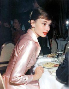 Audrey Hepburn had beautiful posture