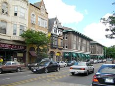 OAK PARK, Chicago - for a few months on a contract - a lovely suburb of Chicago with great vintage shops.