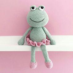 https://www.instagram.com/p/BIz5uhcDb7M/ crochet frog