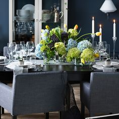 With a dining setting this nice, the meal can't possibly disappoint.
