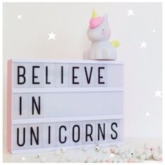 23 vind-ik-leuks, 1 reacties - Caatje Hoeraatje (@caatje_hoeraatje) op Instagram: 'Happy Weekend ! Hoe leuk is dit schattige unicorn LED lampje van alittlelovelycompany!…'