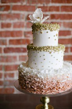 mixed texture wedding cake, photo by Amanda Watson http://ruffledblog.com/mixed-metals-summer-wedding-inspiration #weddingcake #cakes