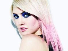 im going to get some pink this summer <3
