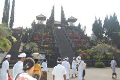Bali Tour Package there are so many places you can visit in Bali, with each of them promising good fun and memorable experiences Bali Tour Packages, Holiday Destinations, Dolores Park, How To Memorize Things, Places To Visit, Tours, Travel, Places To Travel, Viajes