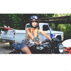 . British Motorcycles, Triumph Motorcycles, Triumph Bonneville, Scrambler, Bobber, Riding Helmets, Fashion Inspiration, Wheels, Bike