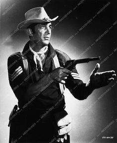 7716-02 Dean Martin cavalry western pose Sergeant's Three western film 7716-02