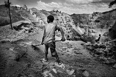 A child gold miner in Watsa, northeastern Congo. 2004