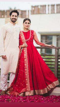 Super ideas for dress wedding red fashion Pakistani Fashion Party Wear, Pakistani Bridal Dresses, Pakistani Dress Design, Indian Fashion, Red Fashion, Style Fashion, Fashion Beauty, Indian Gowns, Indian Attire