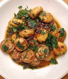 Knoblauch-Champignons, ein schmackhaftes Rezept aus der Kategorie Snacks und kleine Gerichte. Bewertungen: 11. Durchschnitt: Ø 4,0.