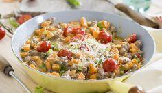 Süßkartoffeln, Tomaten, Hack und Frühlingszwiebeln als leckeres Pfannengericht mit cremiger Sauce gibt's bei MAGGI.
