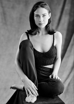 Claire Forlani, Classic Beauty, Timeless Beauty, Hollywood, Cycle Chic, Hot Brunette, Celebrity Feet, Beautiful Actresses, Beauty Women