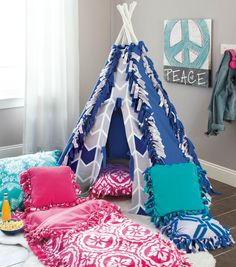 No Sew Tee Pee and Sleeping Bag from @joannstores | Great gift idea for kids!
