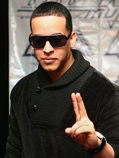 El Universal - - Daddy Yankee y Dulce María, en Premios Juventud