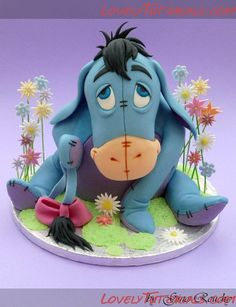 Anyone want to try making Eeyore, here is the tutorial... a lot of work but look at that cute face