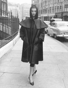 In Photo: Truly Vintage Street Style モノクロ時代のファッションスナップ集