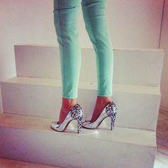 mint green jeans silver sam edelman shoes